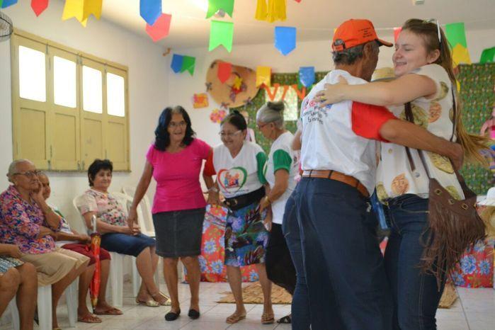 CRAS realiza festa junina para idosos do grupo Viva Idade - Imagem 48