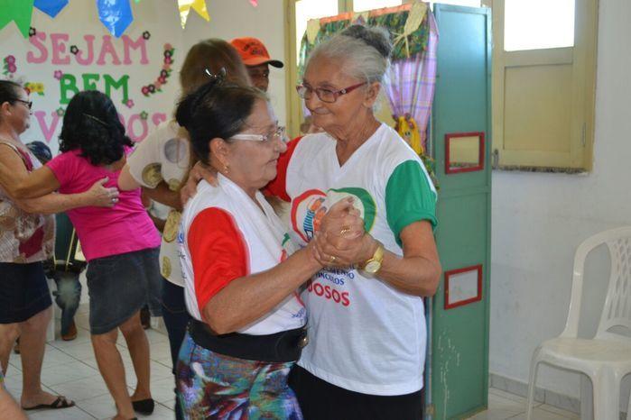 CRAS realiza festa junina para idosos do grupo Viva Idade - Imagem 19