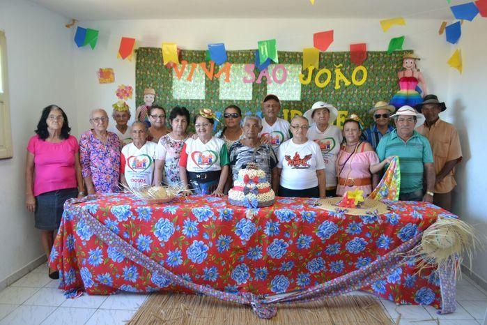 CRAS realiza festa junina para idosos do grupo Viva Idade - Imagem 64