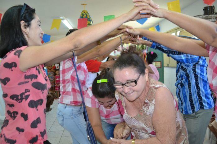 CRAS realiza festa junina para idosos do grupo Viva Idade - Imagem 68