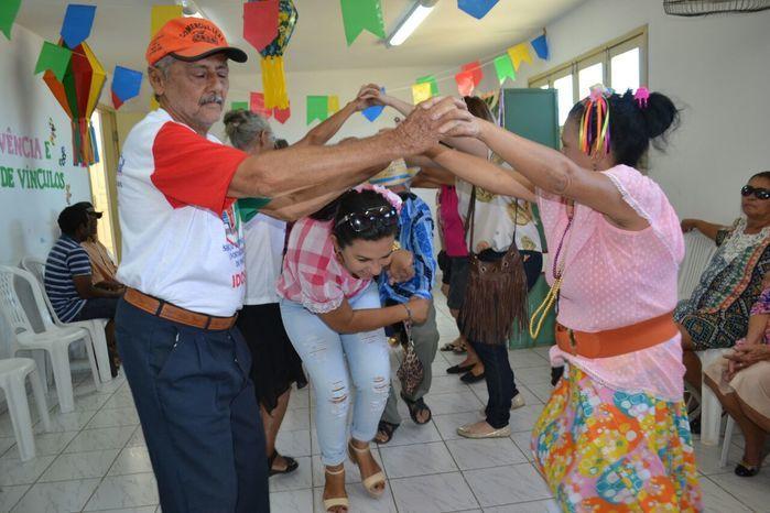 CRAS realiza festa junina para idosos do grupo Viva Idade - Imagem 33
