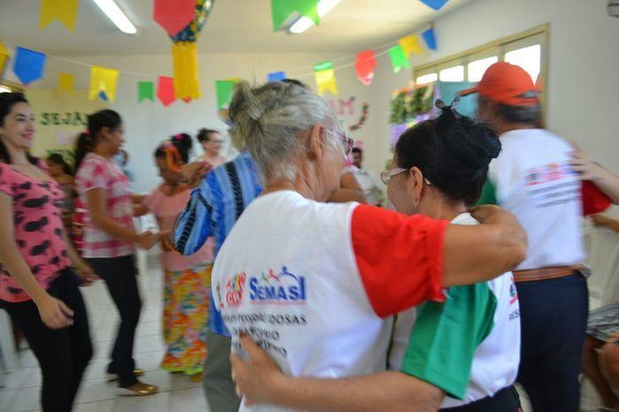 CRAS realiza festa junina para idosos do grupo Viva Idade - Imagem 67