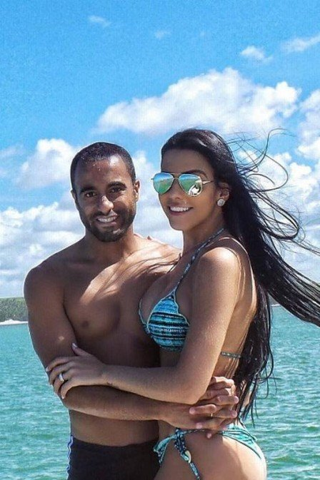 Lucas Moura e a namorada (Crédito: Reprodução)