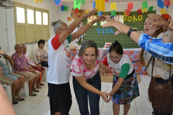CRAS realiza festa junina para idosos do grupo Viva Idade - Imagem 17
