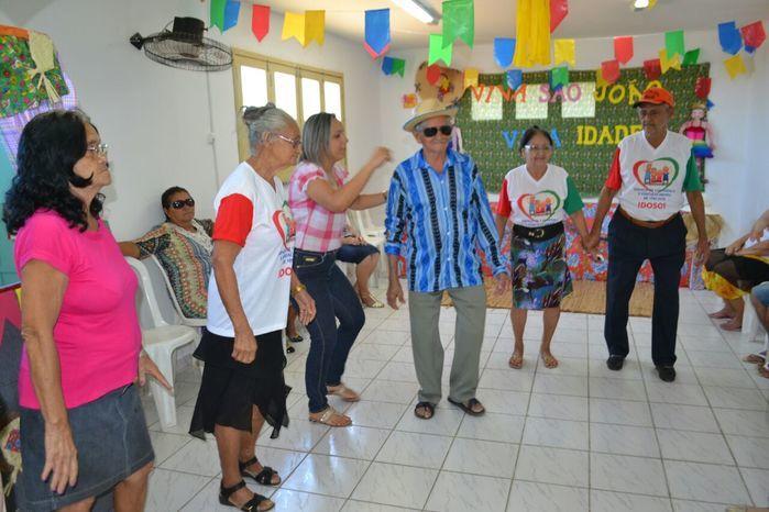 CRAS realiza festa junina para idosos do grupo Viva Idade - Imagem 35