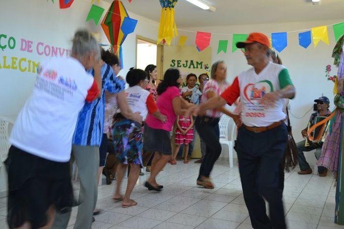CRAS realiza festa junina para idosos do grupo Viva Idade - Imagem 18