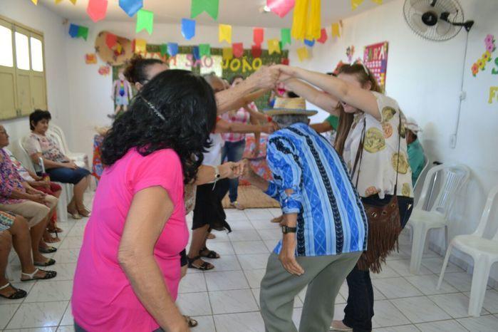 CRAS realiza festa junina para idosos do grupo Viva Idade - Imagem 13