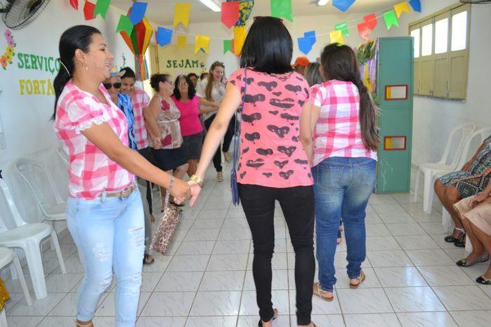CRAS realiza festa junina para idosos do grupo Viva Idade - Imagem 41