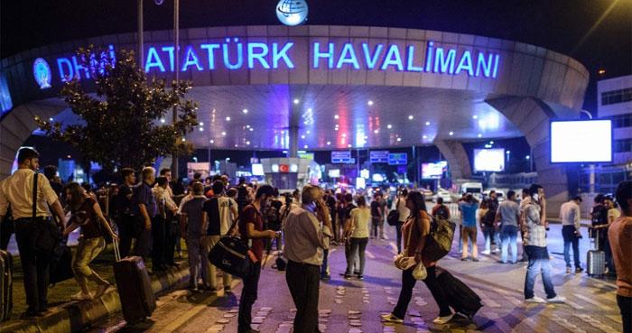 Ataque suicida no Aeroporto de Istambul deixa 28 mortos  (Crédito: AFP)