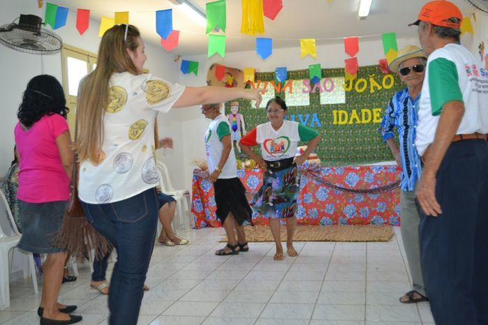 CRAS realiza festa junina para idosos do grupo Viva Idade - Imagem 15