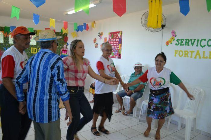 CRAS realiza festa junina para idosos do grupo Viva Idade - Imagem 39