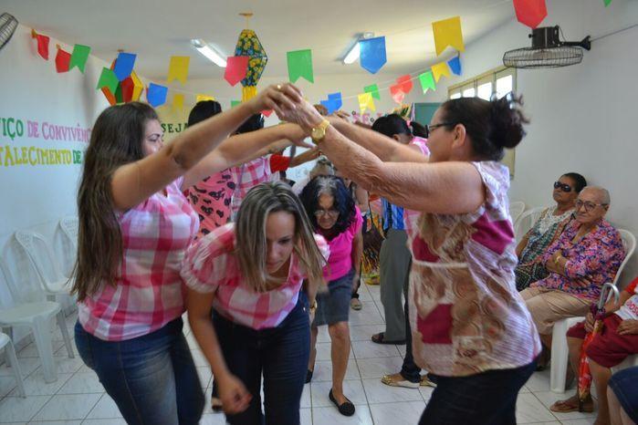 CRAS realiza festa junina para idosos do grupo Viva Idade - Imagem 37