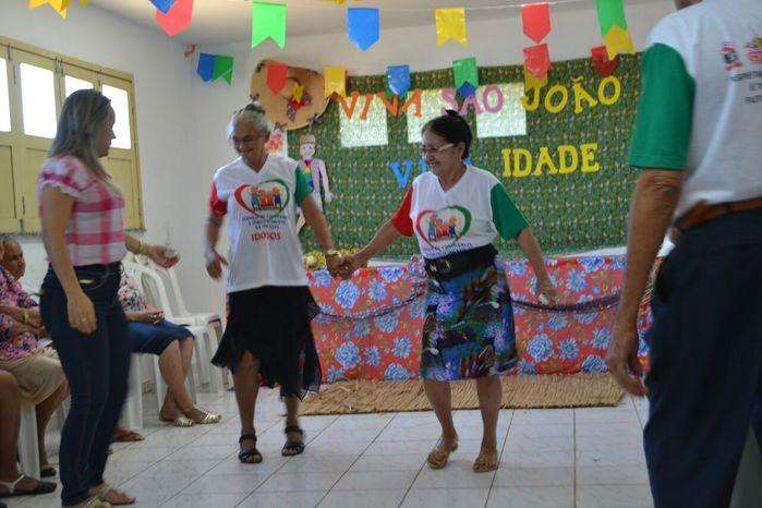 CRAS realiza festa junina para idosos do grupo Viva Idade - Imagem 23