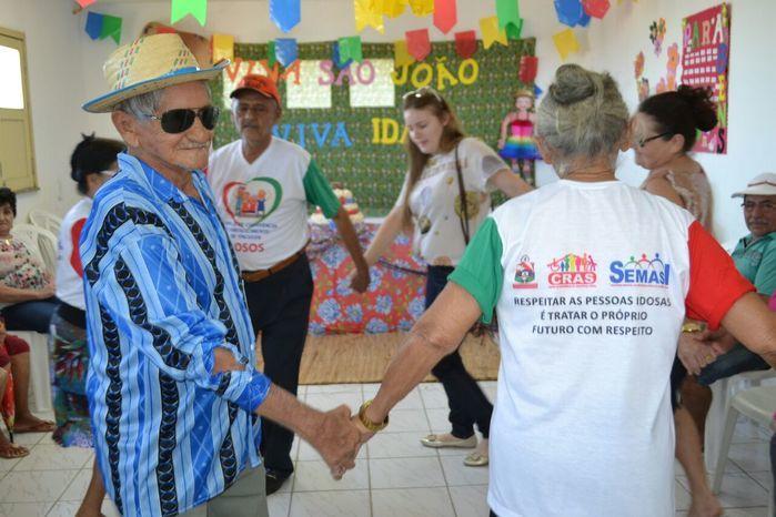 CRAS realiza festa junina para idosos do grupo Viva Idade - Imagem 52