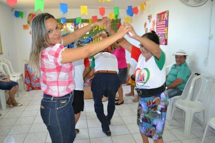 CRAS realiza festa junina para idosos do grupo Viva Idade - Imagem 16