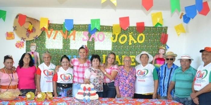 CRAS realiza festa junina para idosos do grupo Viva Idade