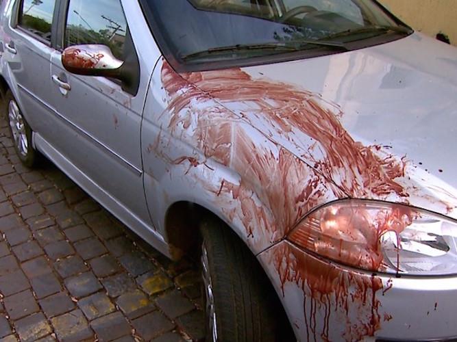 Marcas de sangue no local (Crédito: Reprodução)
