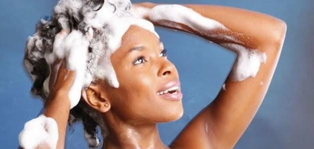 Quantas vezes por semana deve se lavar os cabelos?