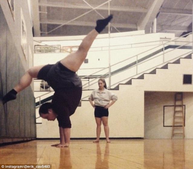Bailarino surpreende na internet (Crédito: Reprodução)