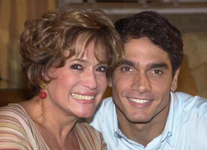 Susana Vieira ao lado de Rafael Calomeni