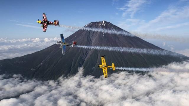 Pilotos treinam no Monte Fuji antes de Mundial de Corrida Aérea   (Crédito: Reprodução)