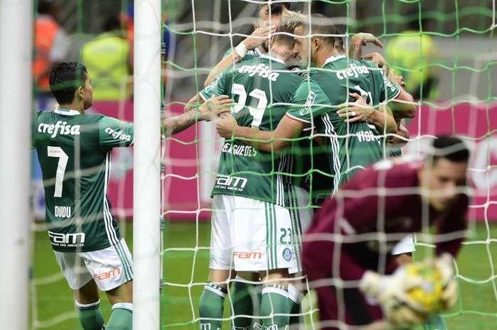Vitória por 4 a 0 sobre o Figueirense (Crédito: Gazeta Press)