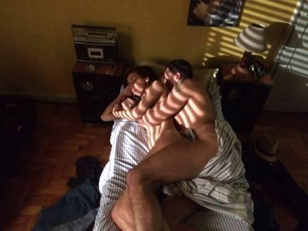 Latino vira ator e grava cena de sexo com Thalita Carauta (Crédito: Reprodução)