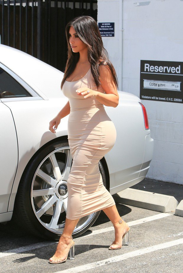 Kim Kardashian em Los Angeles, nos Estados Unidos (Crédito: X17online)