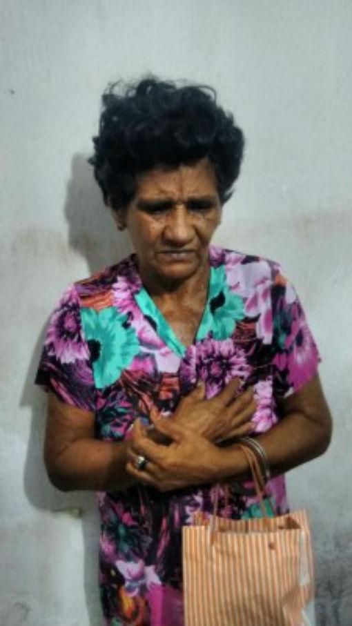 'Tia do Tráfico' foi presa em flagrante com drogas em sua residência