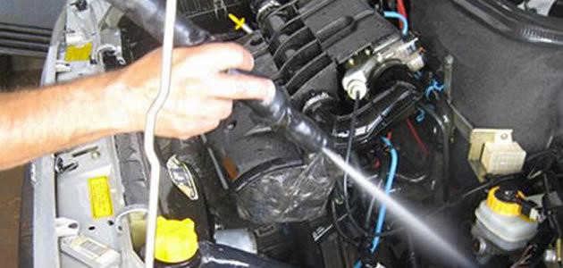 Dúvida! Lavagem do motor do carro pode danificá-lo?