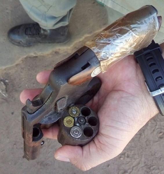 Arma apreendida com Francisco Edivan da Costa Veloso