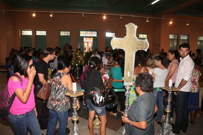 Velório acontece no Clube dos Diários, no Centro de Teresina (Crédito: Efrém Ribeiro)