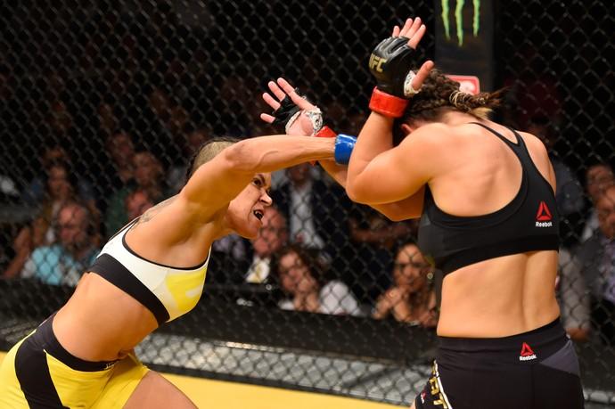 Amanda Nunes foi implacável na luta principal do UFC 200, contra Miesha Tate