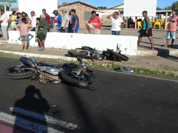 Colisão entre motos deixou homem morto (Crédito: Reprodução)