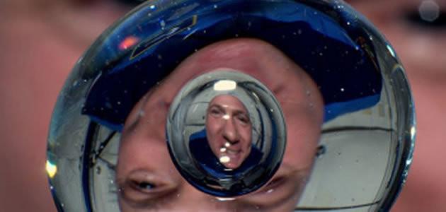 Saiba o que acontece com a água e o fogo no espaço