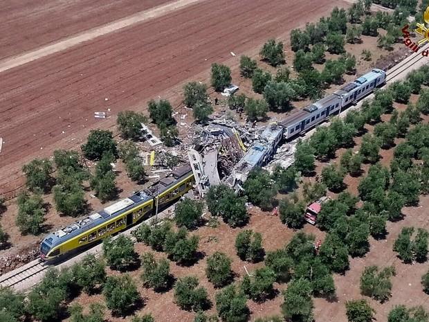 Colisão de trens (Crédito: Reprodução)