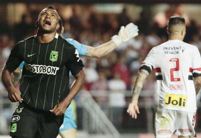 Borja com gol contra o São Paulo