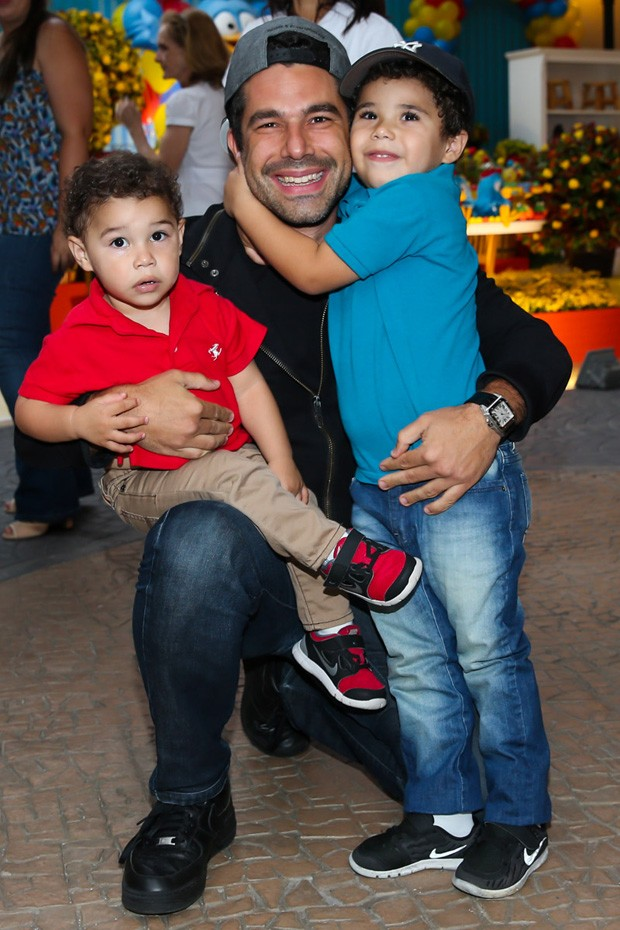 Marido e filhos de Wanessa Camargo (Crédito: Reproduçõ)