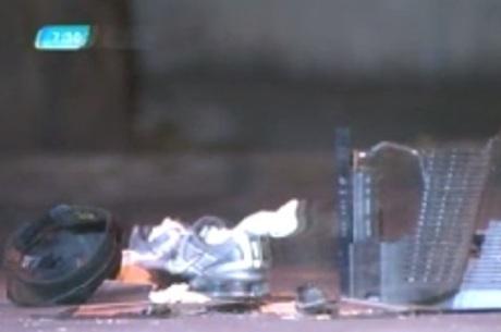 A vítima pode ter sido agredita por aparelho de TV que foi encontrado sobre seu corpo