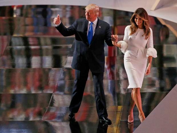 Candidato republicano Donald Trump apresenta sua mulher, a modelo eslovena naturalizada Melania