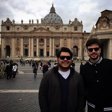 Marcus Majella e Anderson Farinelli na Grécia (Crédito: Reprodução/ Instagram)