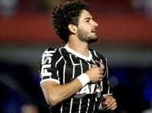 Alexandre Pato volta ao Corinthians e não será mais emprestado
