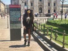 Ludmilla viaja para Itália, e ostenta tênis de R$ 6 mil