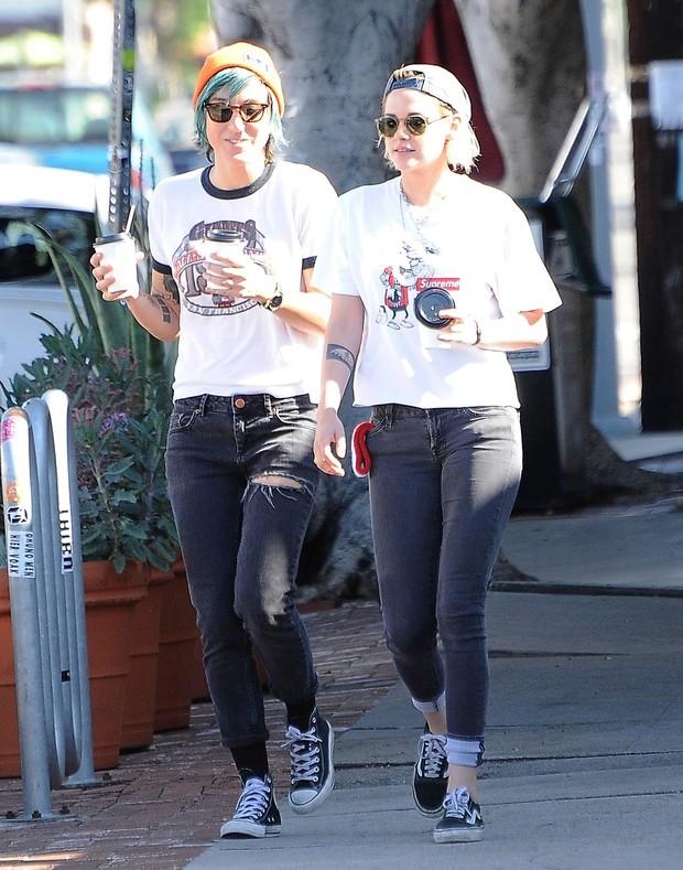 Kristen Stewart e a namorada (Crédito: Reprodução)