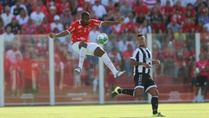Ceará vence Vila Nova por 4 a 3 e segue no G-4