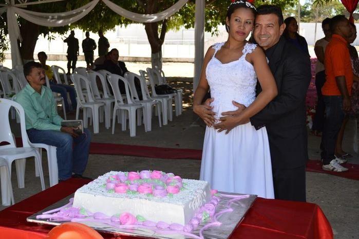 Cerimônia de casamento foi realizada neste sábado
