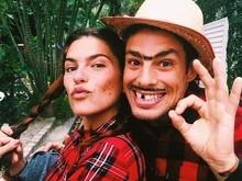 Cauã Reymond posa com Mariana Goldfarb em clima de festa julina