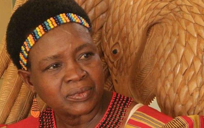 Uma das poucas lideranças femininas do Malauí, Theresa Kachindamoto (Crédito: BBC)