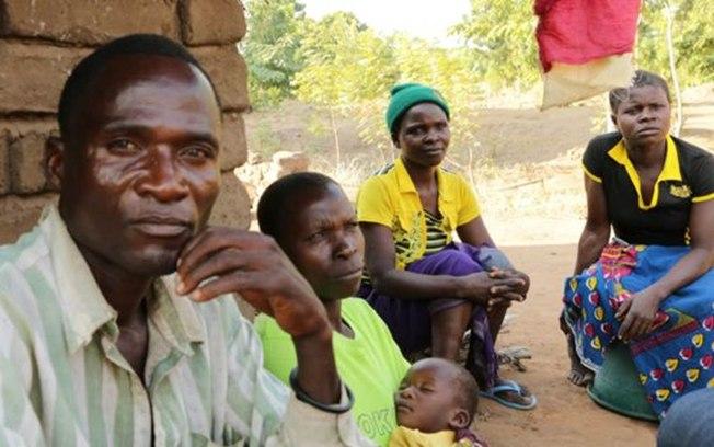 Aniva com sua família (Crédito: BBC)