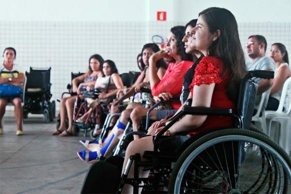 25 pessoas receberão cadeiras motorizadas